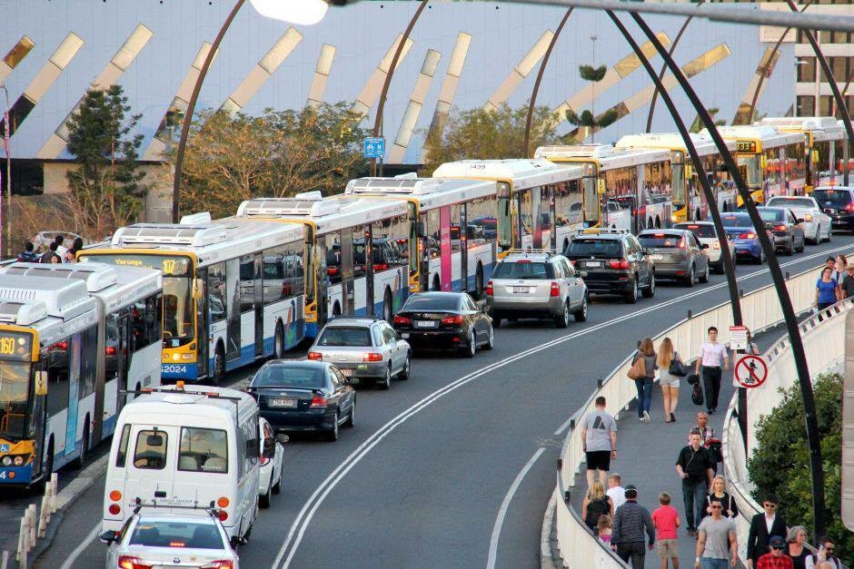The daily bus grind - Victoria Bridge Busway into the CBD