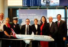 Qantas CEO Alan Joyce and Queensland Premier Annastacia Palaszczuk announcing new Brisbane Dreamliner base